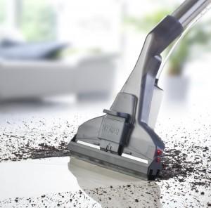 Моющий пылесос vs. швабра кто победит в борьбе за чистоту