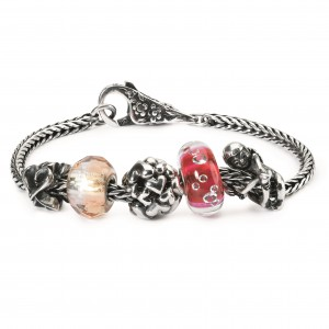 Love is in the Air Bracelet1