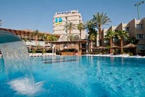 u-coral-beach-club-eilat-