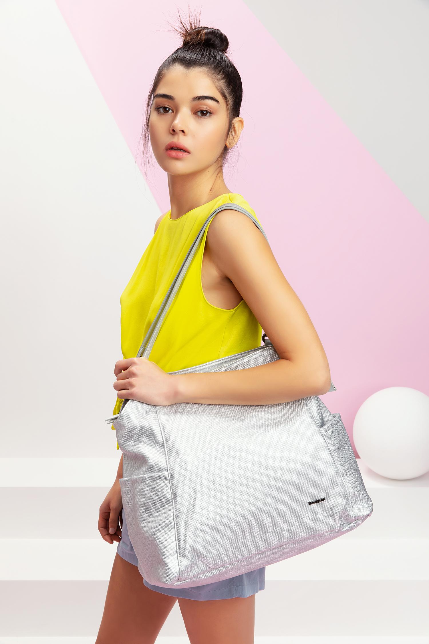 71f715691344 Дорожные сумки известных брендов в Израиле, естественно, представлены. Сеть  магазинов WeShoes недавно стала эксклюзивным экспортером Delsey и  представителем ...