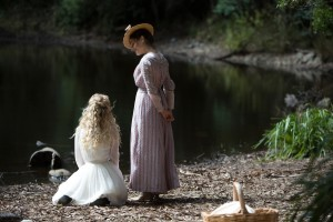 Premieri serialov - Blood - Picnic At Hanging Rock - yes 1